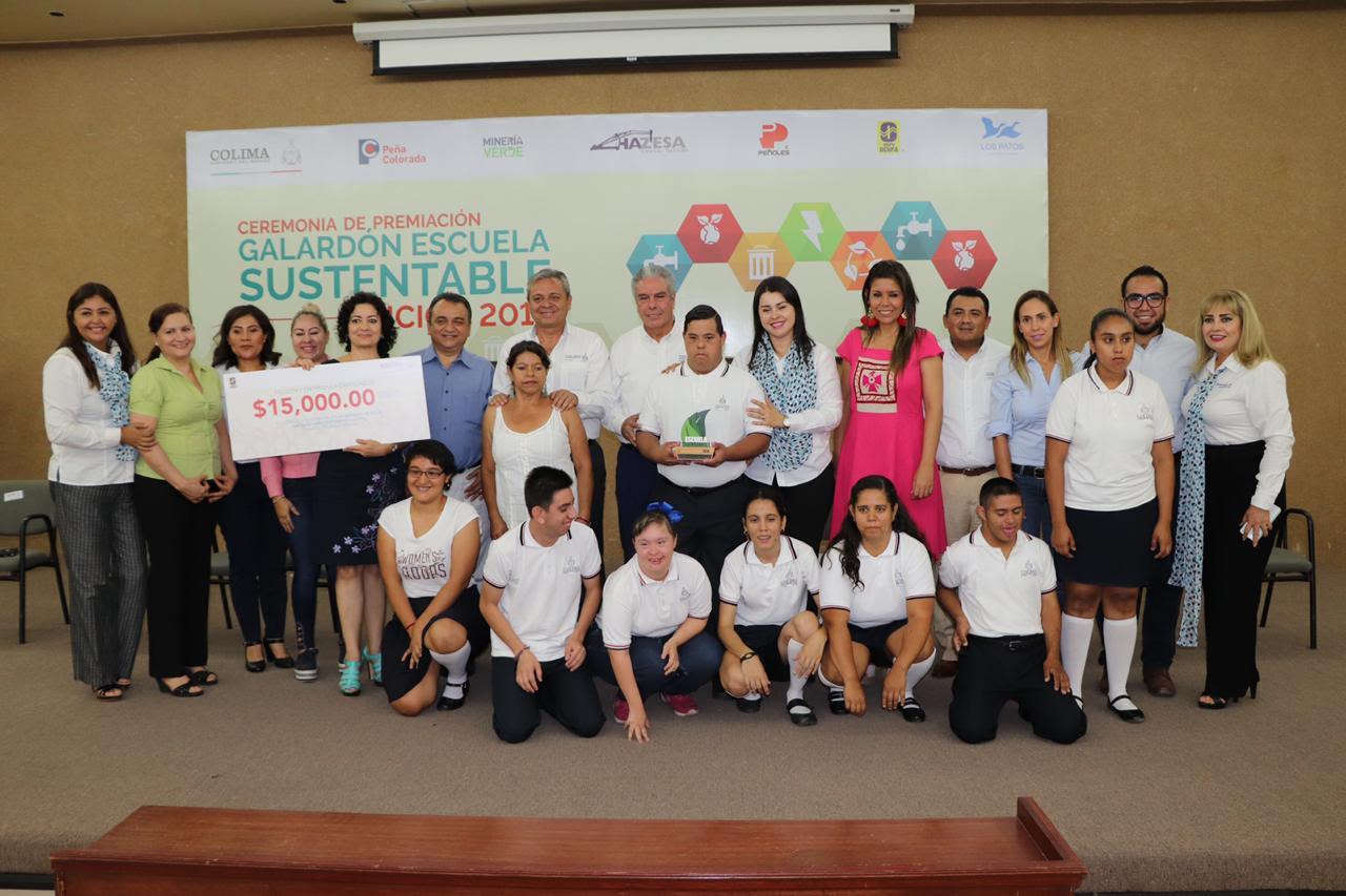 Entregan Galardón Escuela Sustentable 2019 a escuelas del Estado